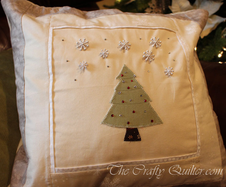 Christmas Tree Pillow @ The Crafty Quilter