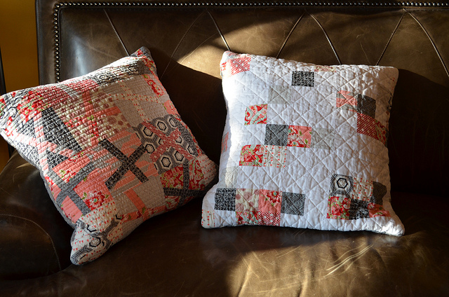 Spring Pillows Tutorial @ She Can Quilt