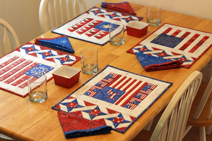 Patriotic placemat set by Julie Cefalu @ THe Crafty Quilter