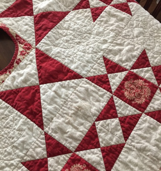 Bleeding quilt and how I fixed it with Dawn dish soap @ The Crafty Quilter
