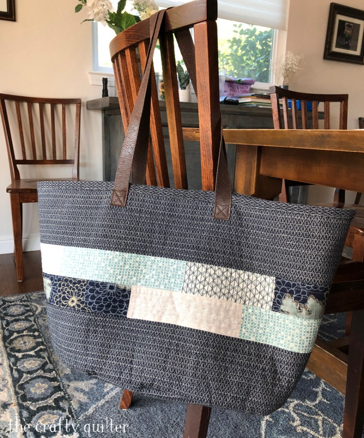The Market Bag made by Julie Cefalu @ The Crafty Quilter.  Pattern is from the book, Handmade Style, by Anna Graham