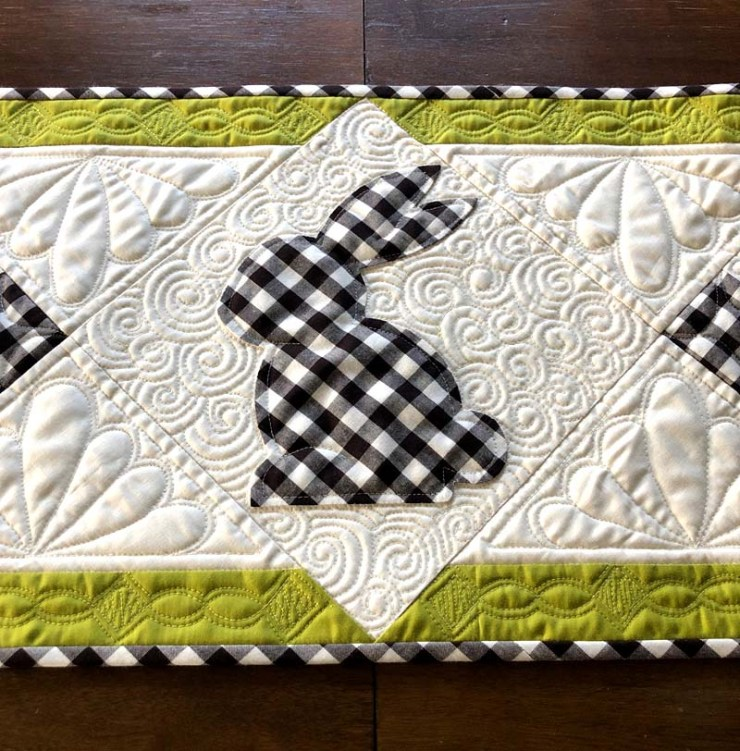 Quilting detail for Spring Bunny Table Runner Tutorial @ The Crafty Quilter