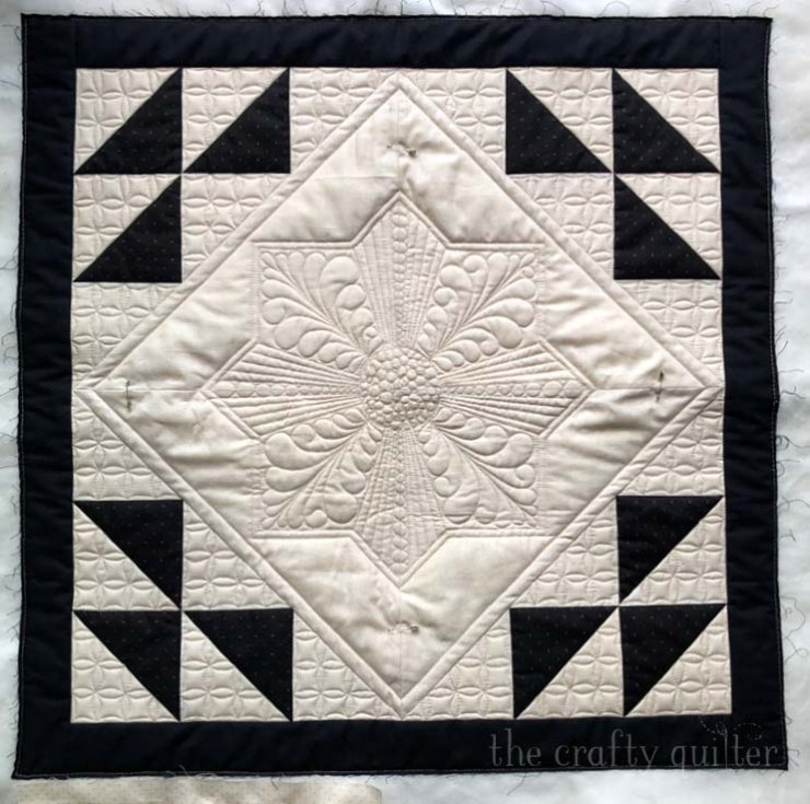 Bonus quilt with free motion quilting by Julie Cefalu @ The Crafty Quilter