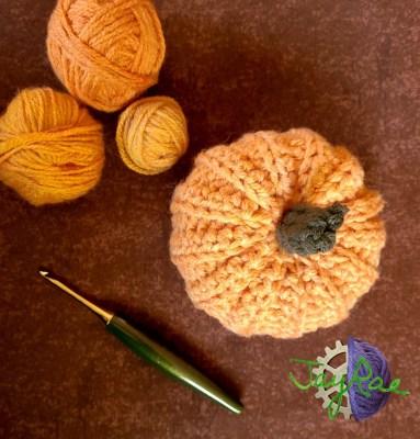 Bulky Pumpkin Amigurumi Pattern featured free pattern on The Crafty Therapist