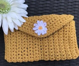 Daisy crochet Bag, mustard Tester's make