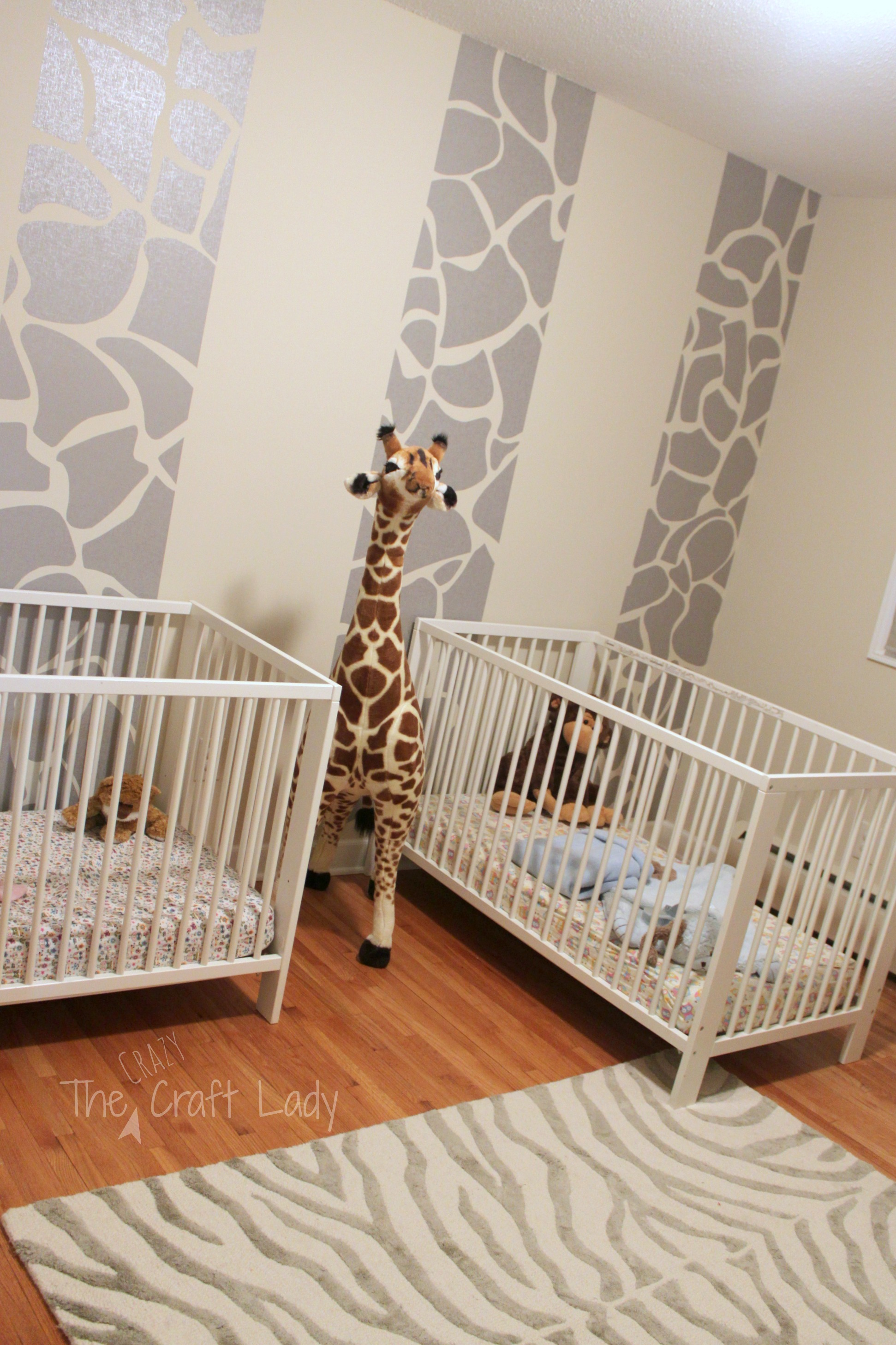 Giraffe Striped Feature Wall using removable wallpaper