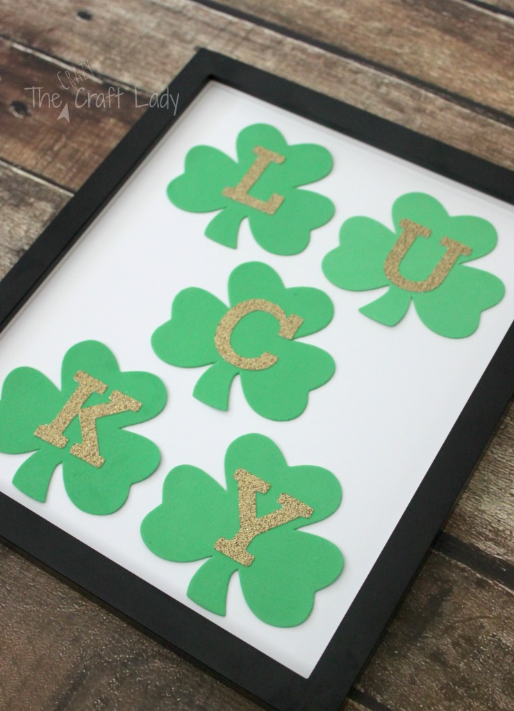St. Patrick's Day Dollar Store Shamrock Craft - A simple, 10-minute and $1 St. Patty's Day craft.