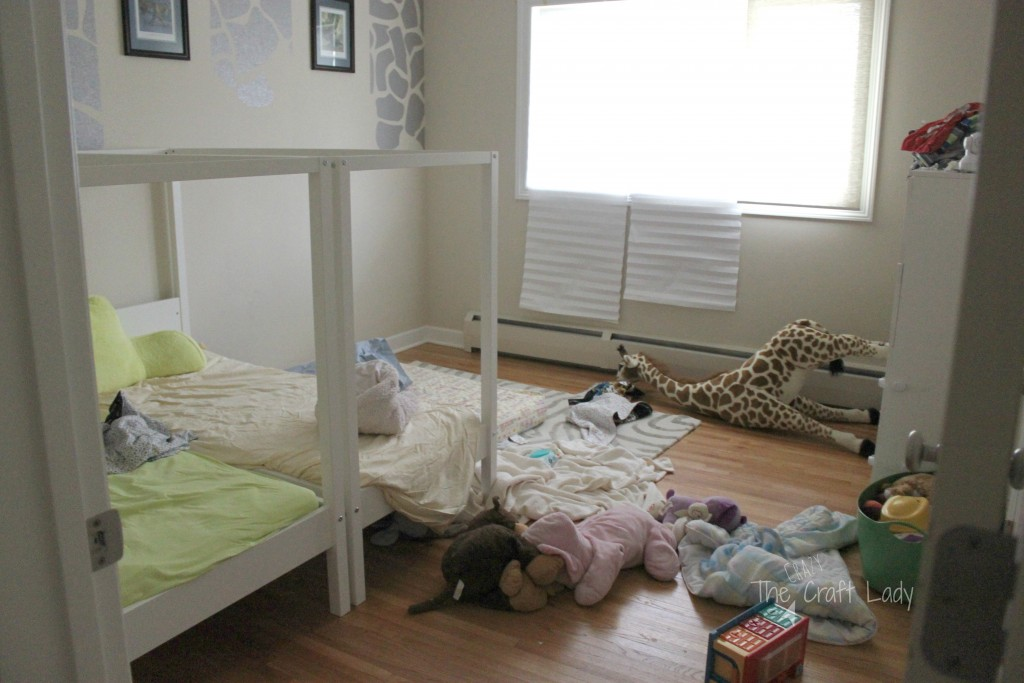 A Coastal Cool Twin Bedroom Makeover - the before