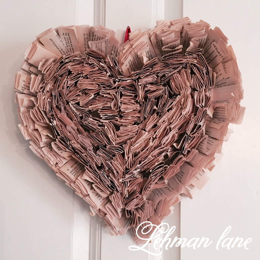 Roundup of some AMAZING DIY Valentine's Day Craft and Decor Projects