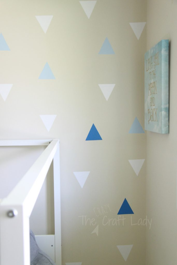 DIY Rental-Friendly Wall Decals + A Feature Wall. Make these inexpensive and removable wall decals and put together a stunning feature wall in no time!