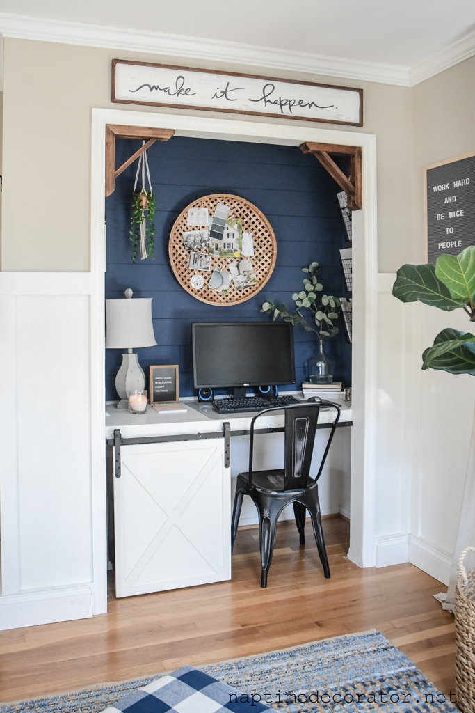 farmhouse style cloffice - a closet office