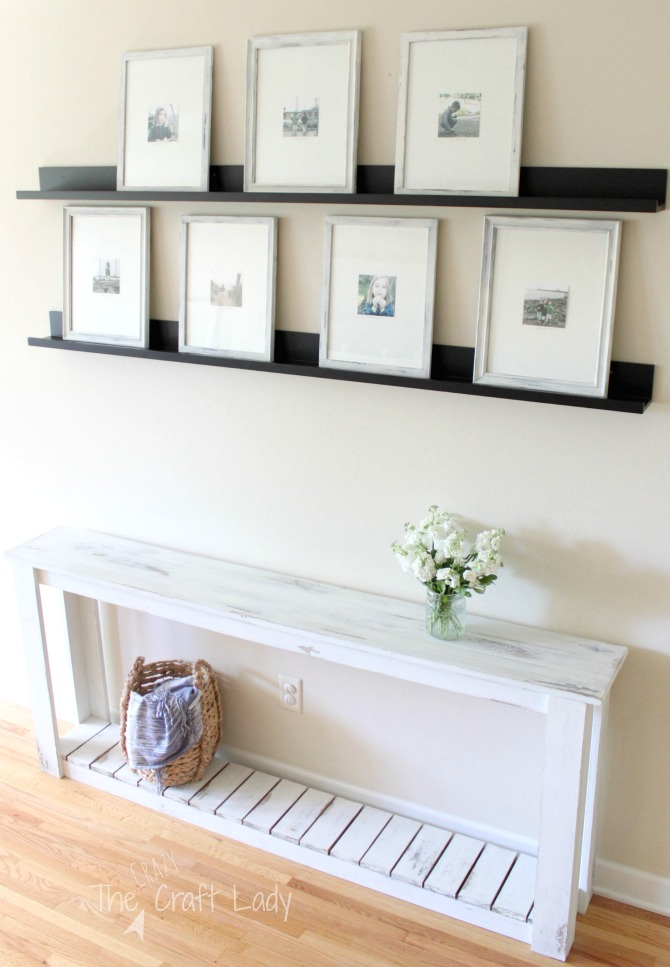 DIY Sofa Table - make this farmhouse style table
