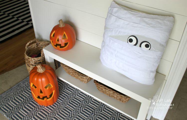 Pottery Barn Halloween inspired Entry Decor