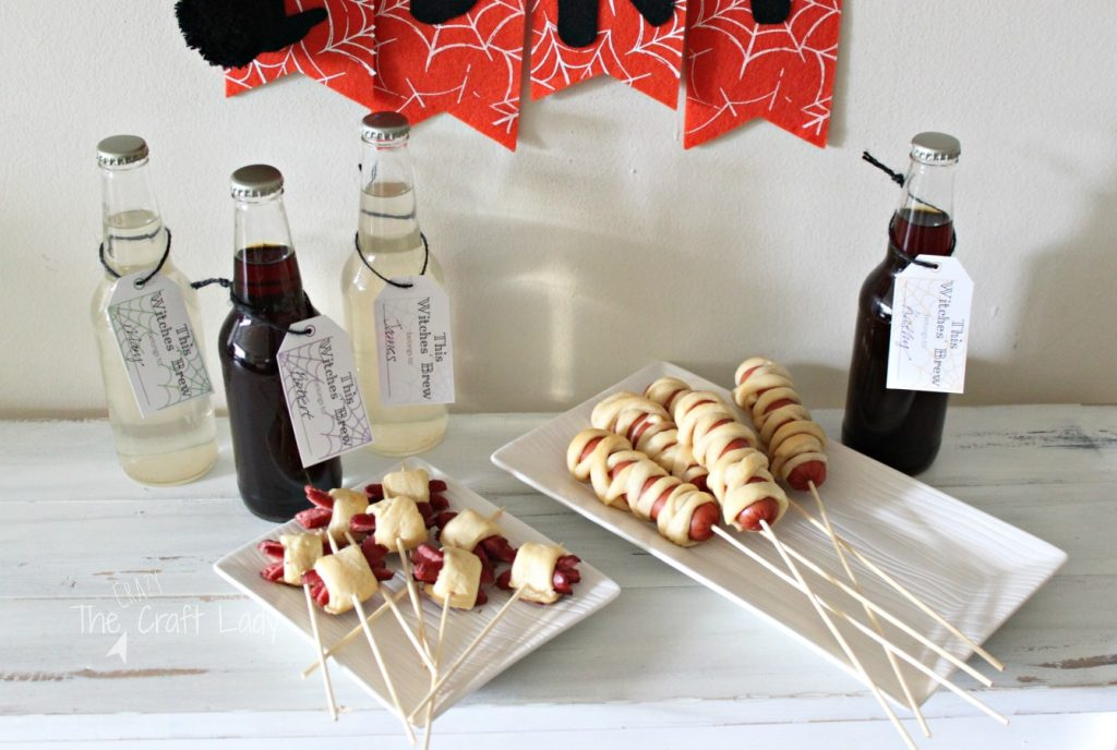 Halloween Entertaining - easy snacks on a stick and a FREE printable drink tag template