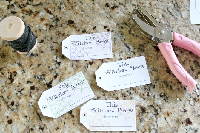Halloween Entertaining made Simple with FREE printable drink tags for your Halloween Party this year