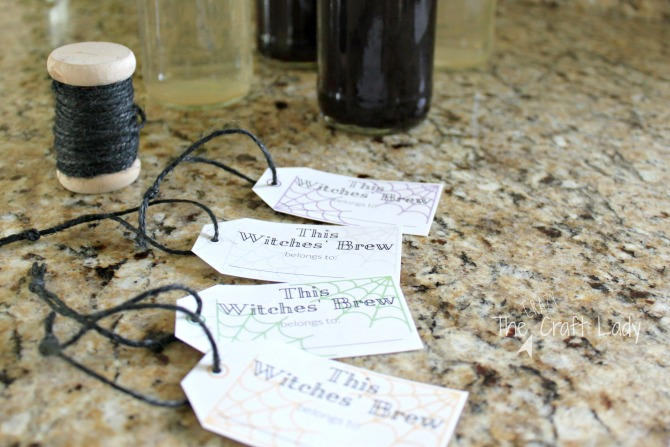 Halloween Entertaining made Simple with FREE printable drink tags for your Halloween Party