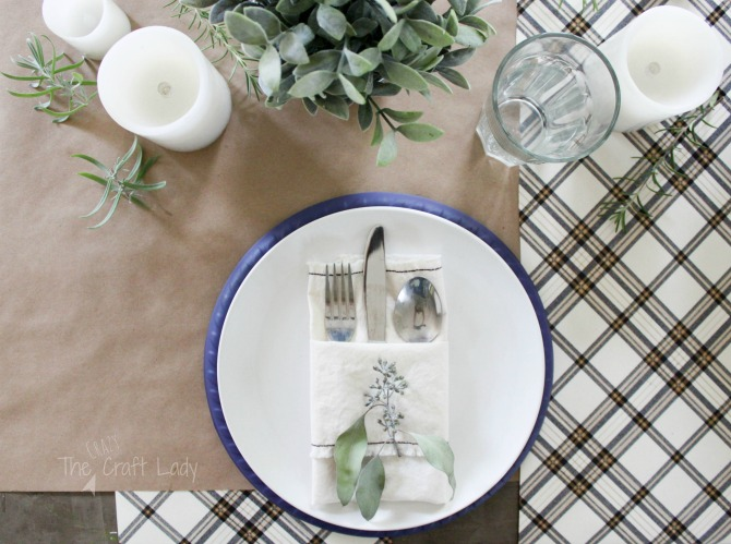 How to Make DIY Fabric Napkins and a Thanksgiving Tablescape