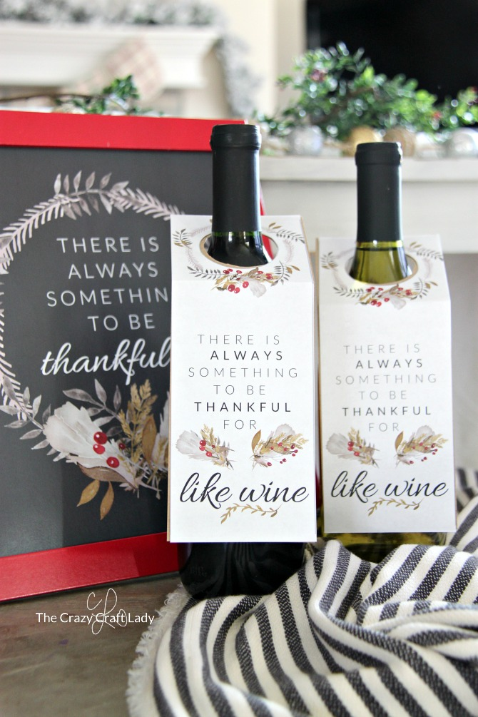 Get ready for Thanksgiving with these free printable Thanksgiving Wine Tags - they make a perfect hostess gift and can be printed off in a snap!
