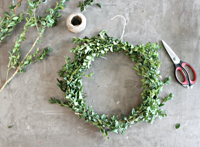 DIY simple boxwood wreath