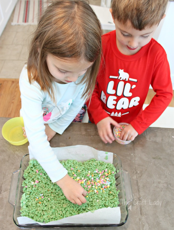 making Cereal Bar Christmas Tree Treats with the kids