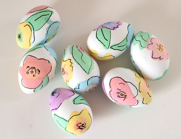 Beautiful Easter Eggs you Need to Try this Spring - DIY Watercolor Floral Eggs