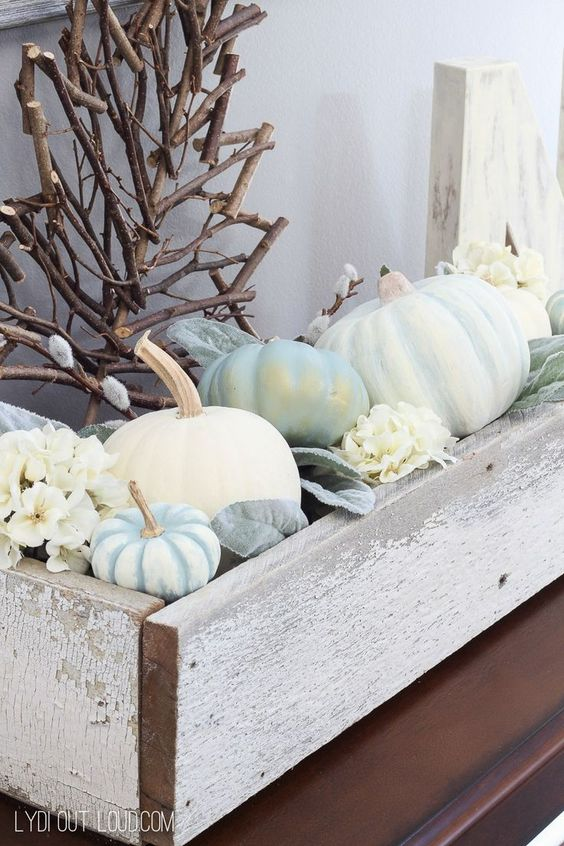 Fall Entryway Decor with DIY Decorative Pumpkins
