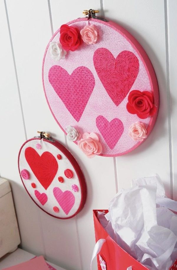 Valentine Embroider Hoop Wall Hanging - Make your own gorgeous Valentine's Day decor with these 19 DIY heart decorations. These awesome Valentine tutorials provide plenty of decor inspiration.