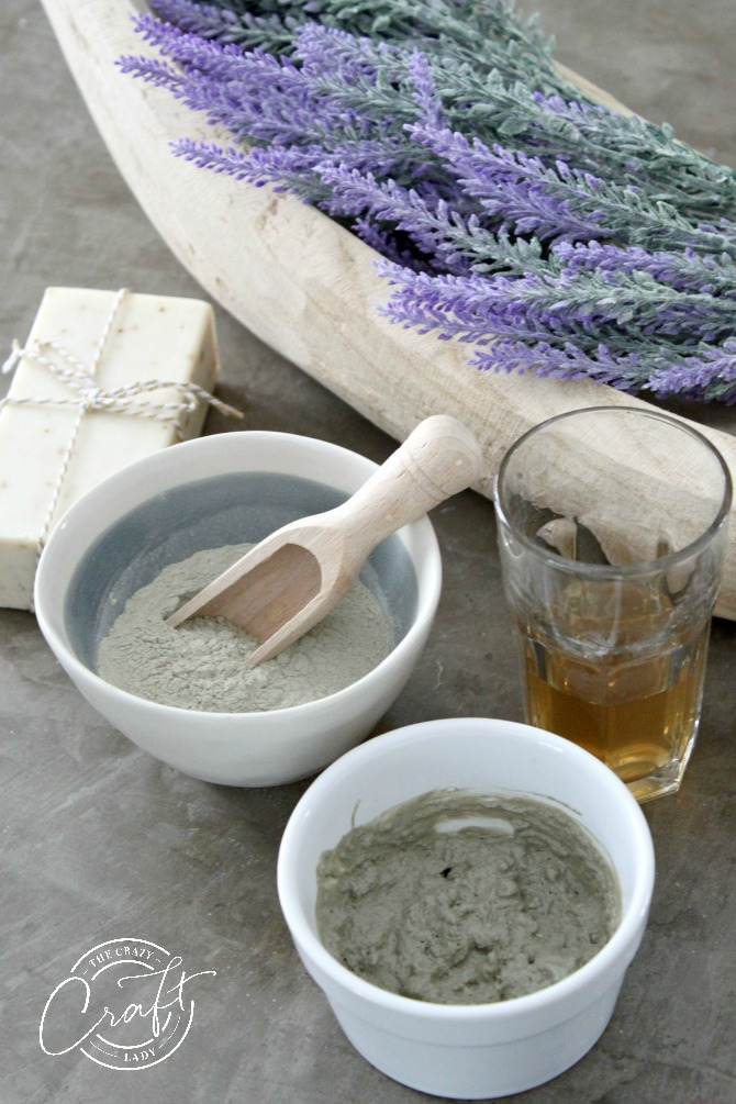 How to make a detoxifying homemade clay mask with two simple ingredients. This easy face mask is a great natural alternative to store-bought masks.