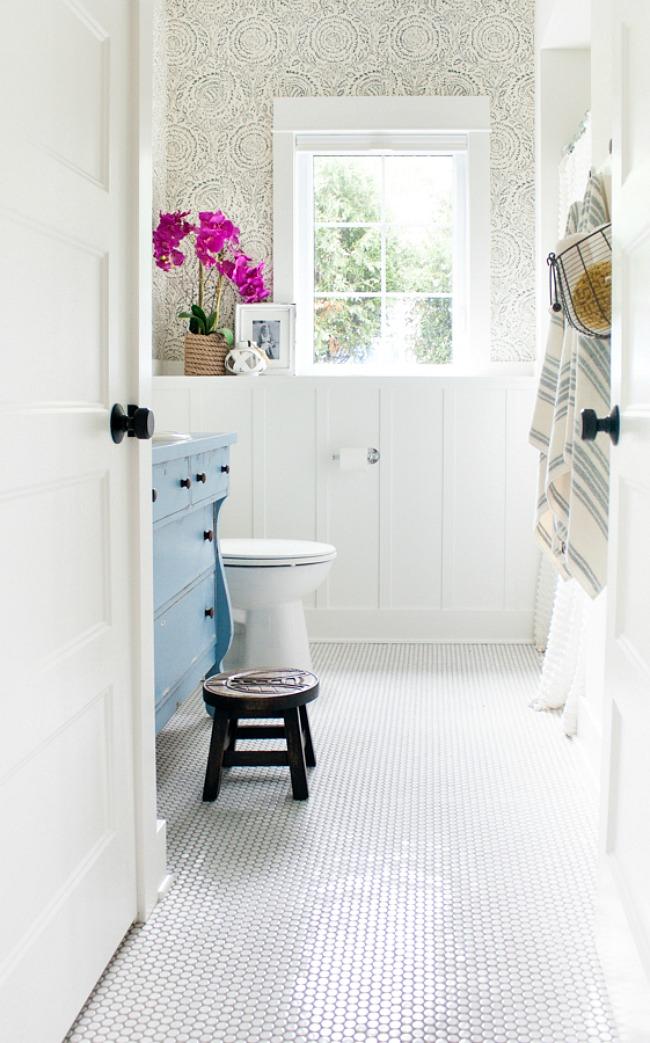 Bathroom Wallpaper Ideas: blue and white bathroom design