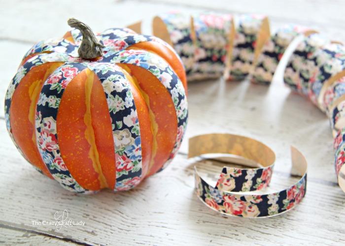 making fabric tape mini pumpkins