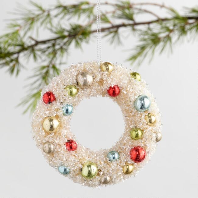 Retro Bottlebrush Wreath Ornaments