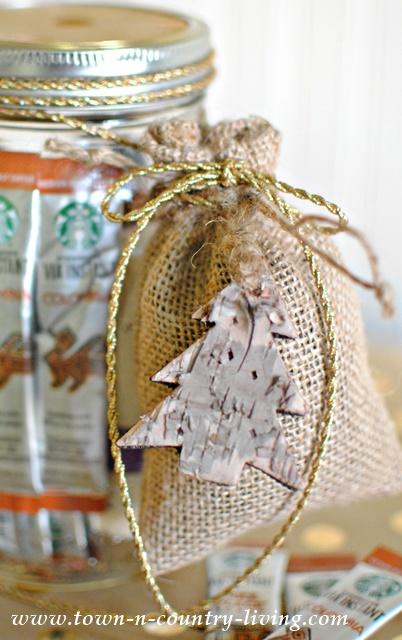 Coffee Lovers Gift in a Jar - Beautiful Mason Jar Christmas Gifts
