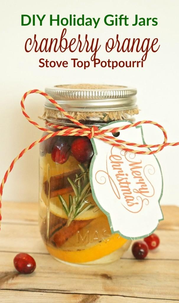 Cranberry Orange Stovetop Potpourri in a Jar - Beautiful Mason Jar Christmas Gifts