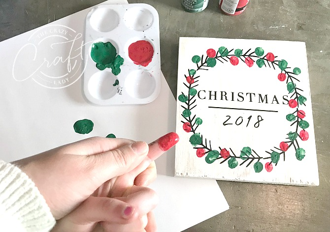 How to make a fingerprint Christmas wreath