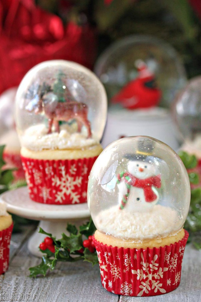 12 DIY Snow Globes filled with Winter Magic - Snow Globe Cupcakes