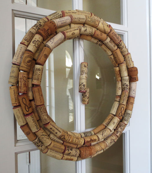 How to make a wreath from wine corks - Pretty AND Functional Wine Cork Crafts