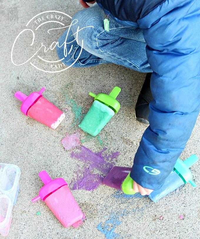 Tutorial: How to make DIY Frozen Sidewalk Chalk