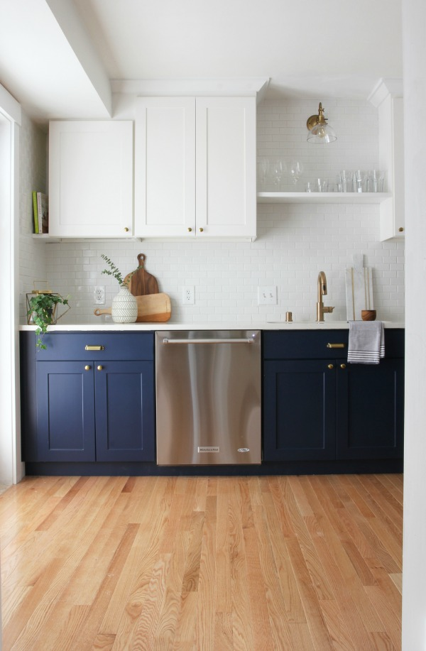 Sherwin Williams Naval SW6244 painted kitchen cabinets