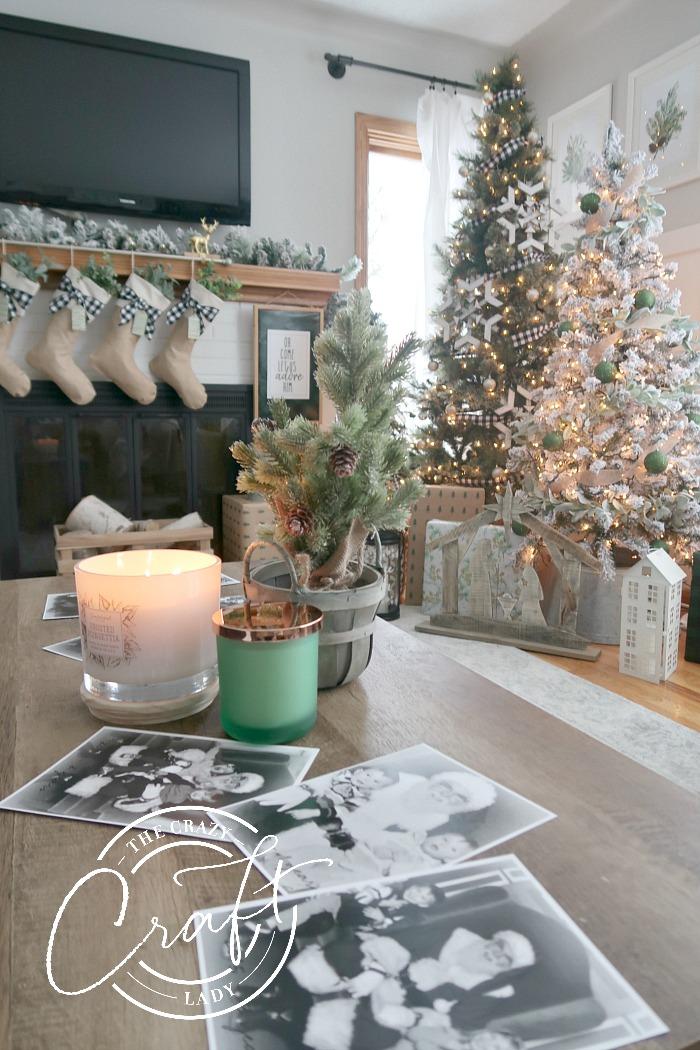 Displaying Santa photos with Christmas living room decor