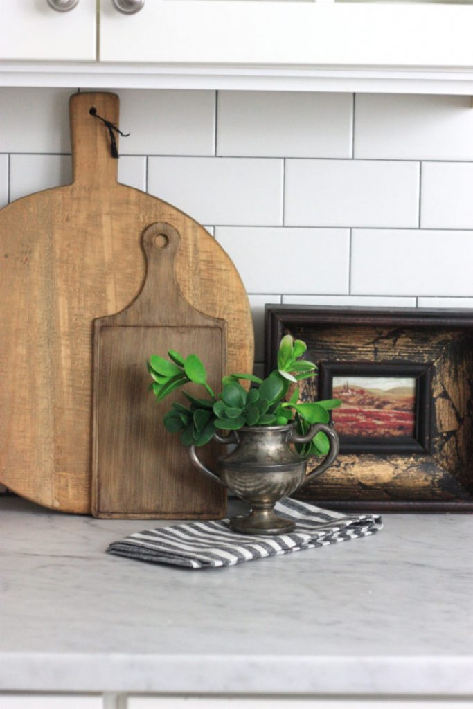 Faux Antique Wood Finish on a Dollar Store Cutting Board