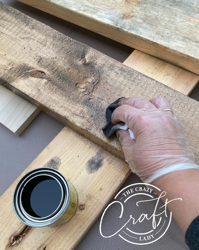 staining wood with a scrub rag