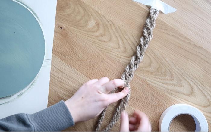Braid the rope in a simple braid