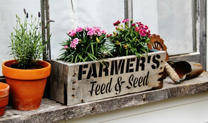 farmhouse style window boxes from reclaimed wood