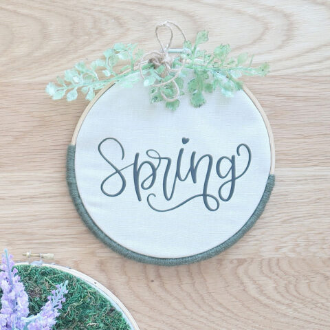 Spring yarn-wrapped wmbroidery hoop craft