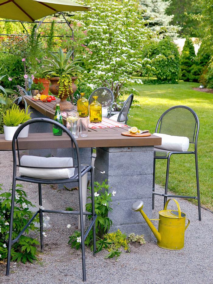 DIY outdoor bar