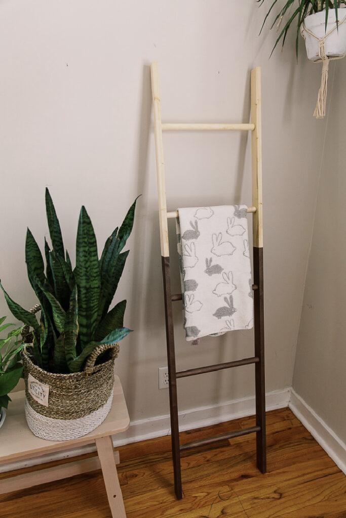 Trendy DIY Blanket Ladder (Anthropologie Dupe)