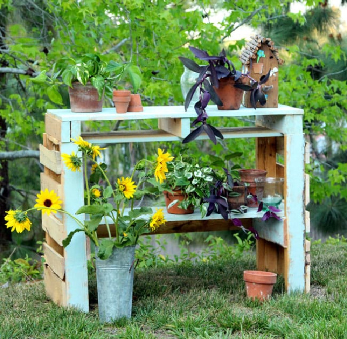 Repurposed Garden Projects - Two Pallet Potting Bench