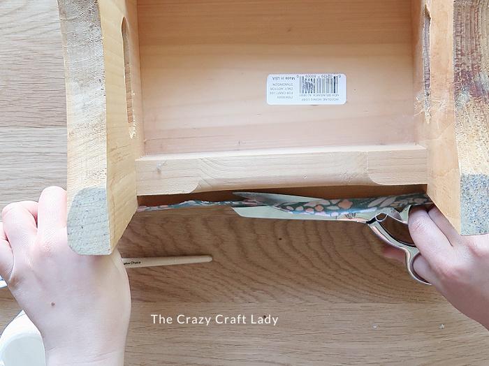 trim the fabric edge