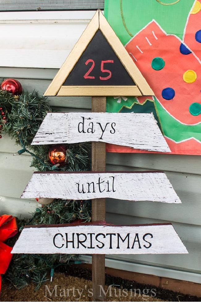Fence Board Chalkboard Christmas Countdown