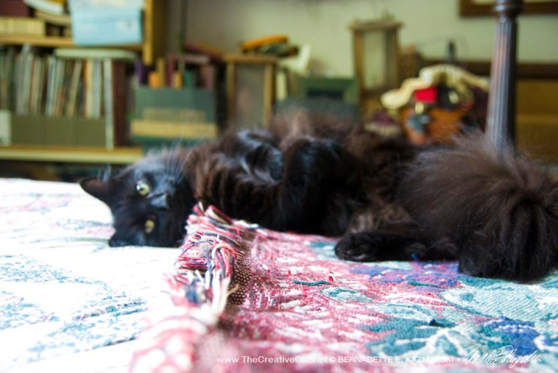 Hamlet, full body pose.